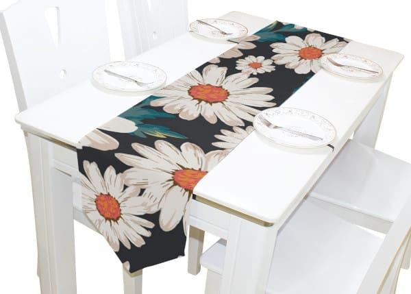 camino de mesa estampado con flores margaritas