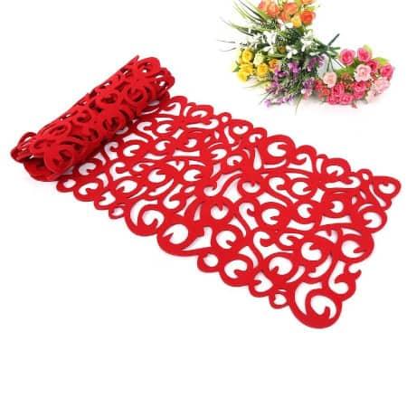 camino de mesa de malla de color rojo para vestir la mesa y decorar en fiestas