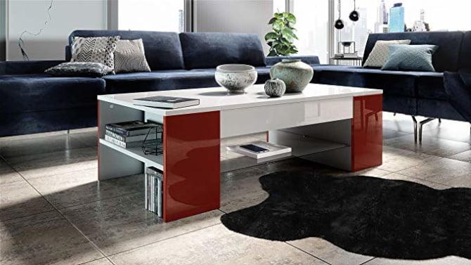 salón decorado con mesa de centro creativa