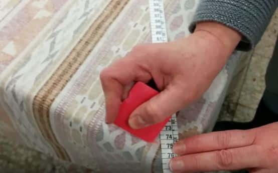 16 - Marcar 74 cm desde la esquina del patron hasta la esquina de la tela