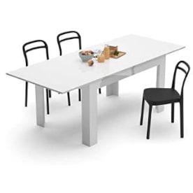 Mesa extensible de comedor lacada con sobre fácil de extender.