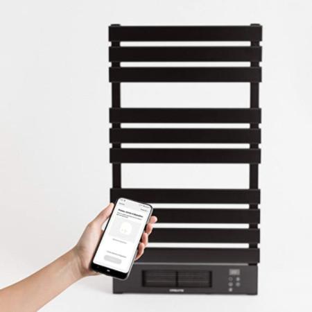 Radiador toallero eléctrico con wifi, de bajo consumo y programable desde el teléfono: Seca toallas de de lujo en color negro.