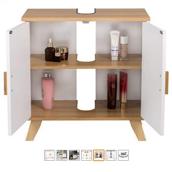 Mueble bajo lavabo con puertas abiertas para ver el interior del armario.