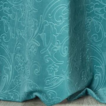 cortina terciopelo verde agua con grabados vintage.
