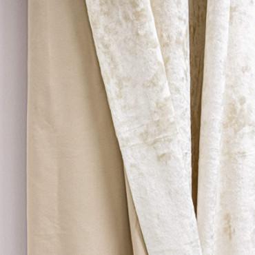 Cortina de terciopelo de color crudo brillante efecto mármol.