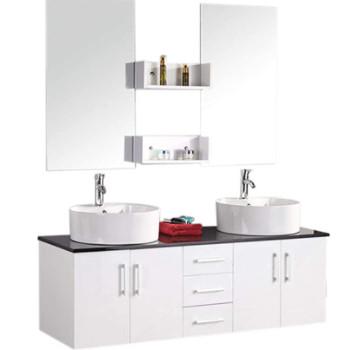 Un conjunto de muebles de baño de dos senos o dos lavabos con armario, cajones, estanterías y dos espejos de baño.